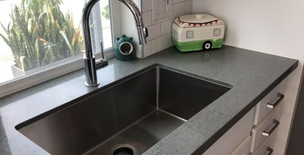 how to keep a stainless steel kitchen sink clean